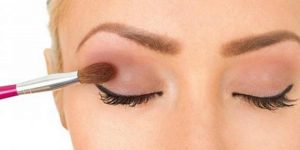Read more about the article Best Cream Eyeshadow For Mature Eyes/ With Ultimate Guide